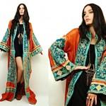 vintage 70s Embroidered bell sleeve kimoni