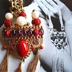 vintage 1969 christian dior poured glass necklace