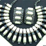 vintage weiss milk glass and rhinestone necklace and earrings