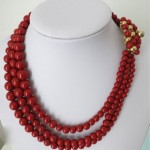 vintage 1968 christian dior glass bead necklace